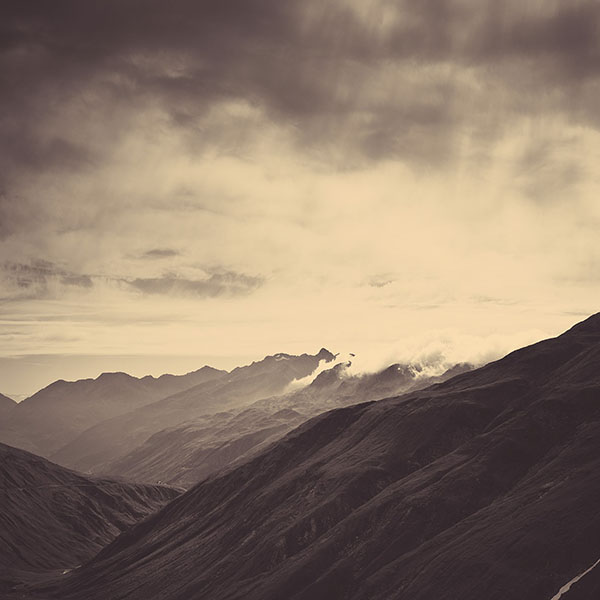 iPapers.co-Apple-iPhone-iPad-Macbook-iMac-wallpaper-mr24-mountain-art-fog-nature-wallpaper