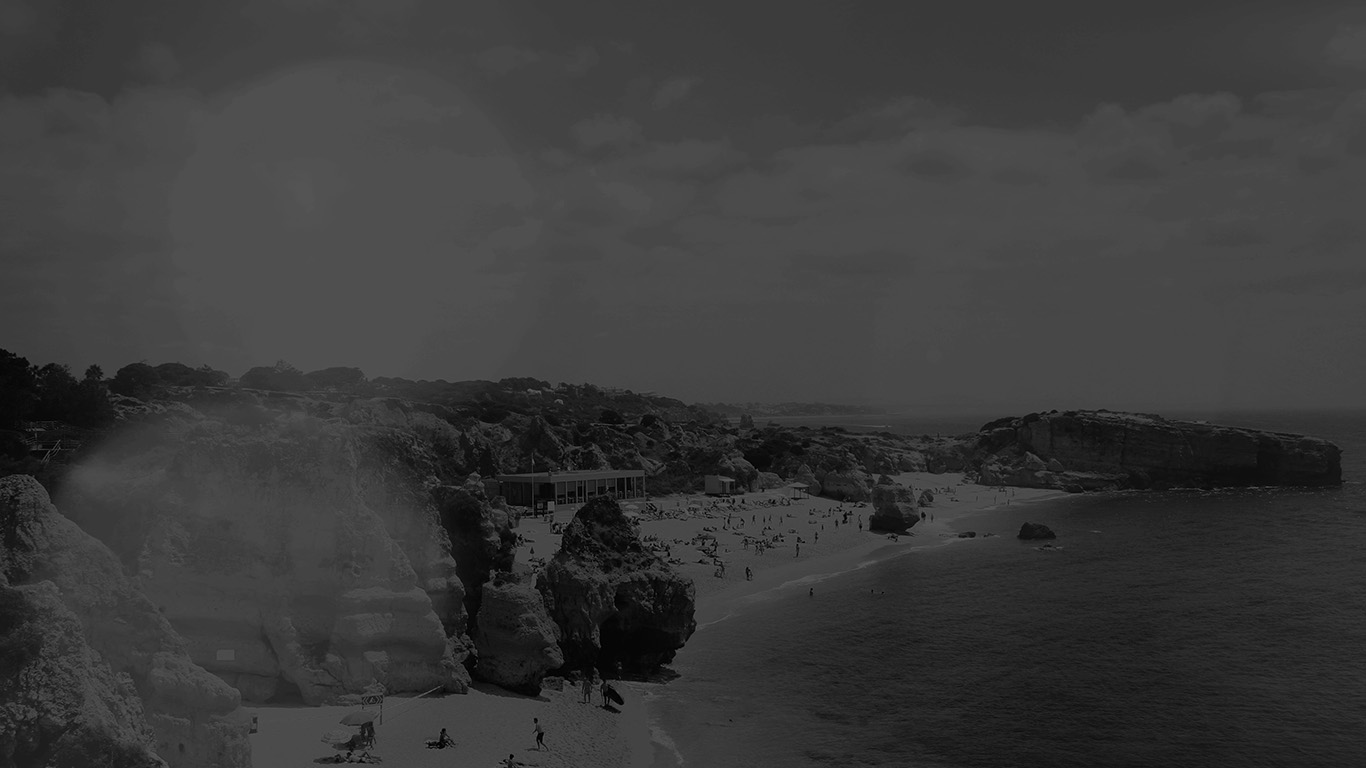 wallpaper-desktop-laptop-mac-macbook-mr87-coast-beach-sunny-holiday-vacation-sea-sky-dark-bw-wallpaper