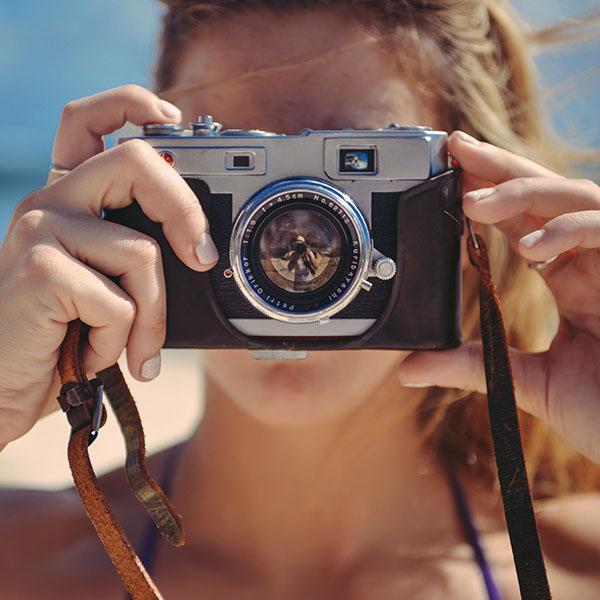 iPapers.co-Apple-iPhone-iPad-Macbook-iMac-wallpaper-mr99-camera-couple-love-beach-nature-wallpaper