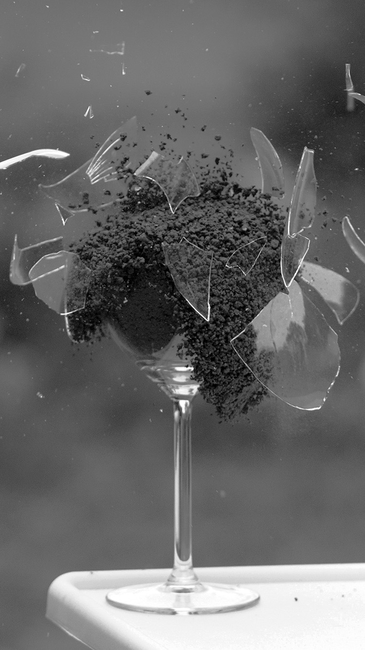 iPhone7papers.com-Apple-iPhone7-iphone7plus-wallpaper-ms28-glass-breaking-nature-art-dark-bw