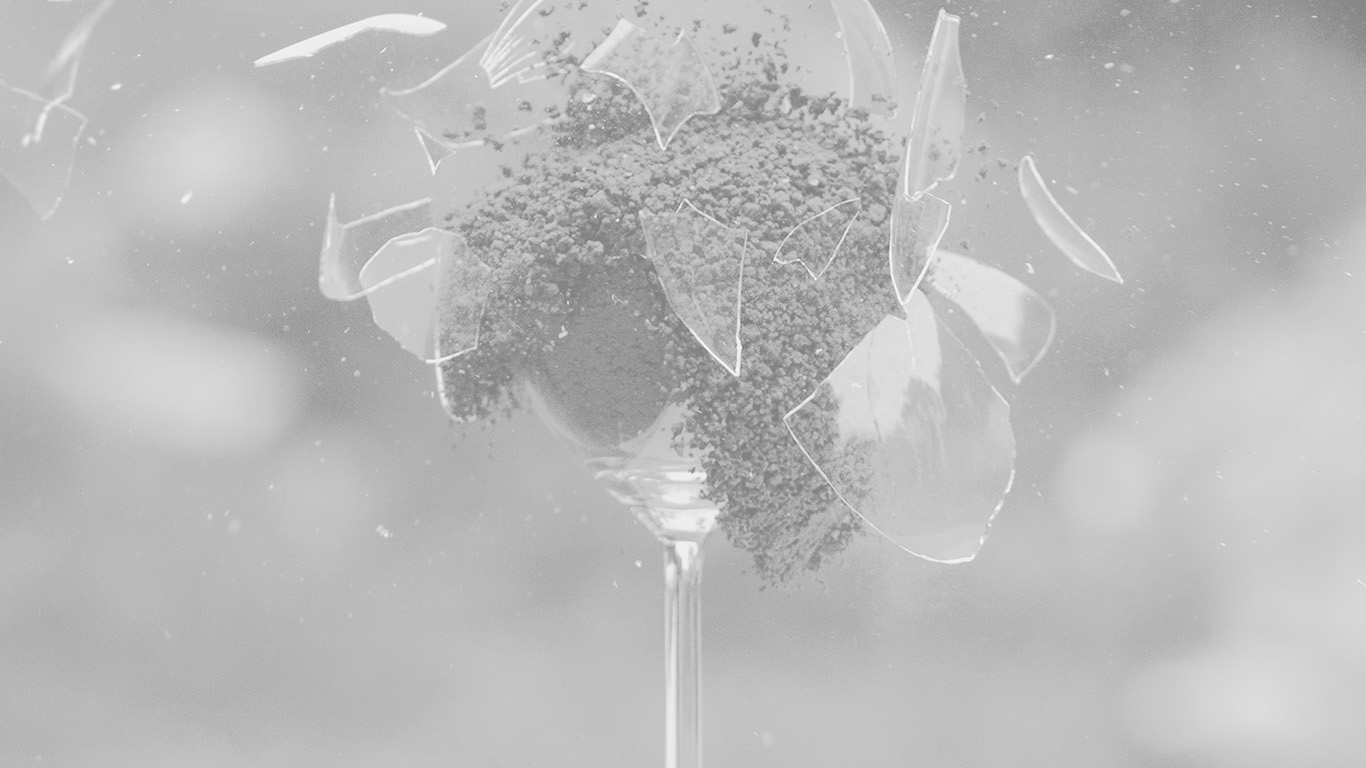desktop-wallpaper-laptop-mac-macbook-airms29-glass-breaking-nature-art-white-bw-wallpaper
