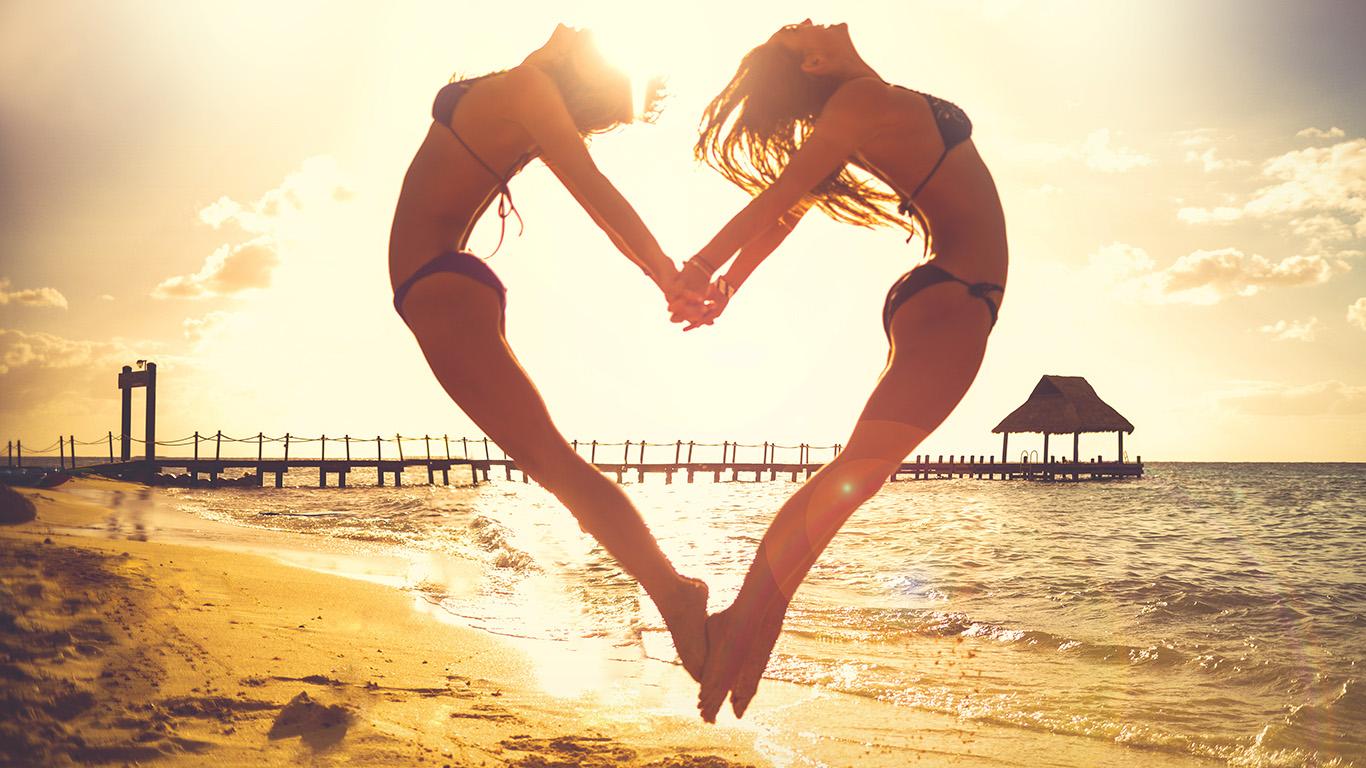 desktop-wallpaper-laptop-mac-macbook-airms32-love-beach-sunny-summer-happy-sexy-wallpaper