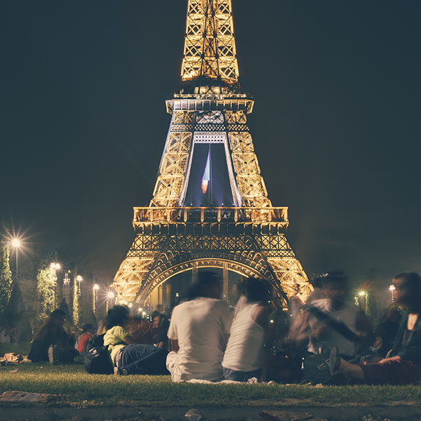 iPapers.co-Apple-iPhone-iPad-Macbook-iMac-wallpaper-ms38-happy-paris-eiffel-tower-france-tour-night-city-wallpaper