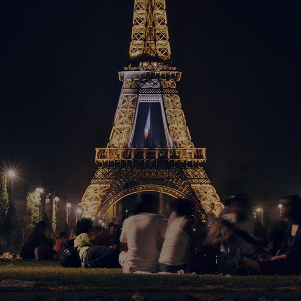 iPapers.co-Apple-iPhone-iPad-Macbook-iMac-wallpaper-ms40-happy-paris-eiffel-tower-france-tour-night-city-darken-wallpaper