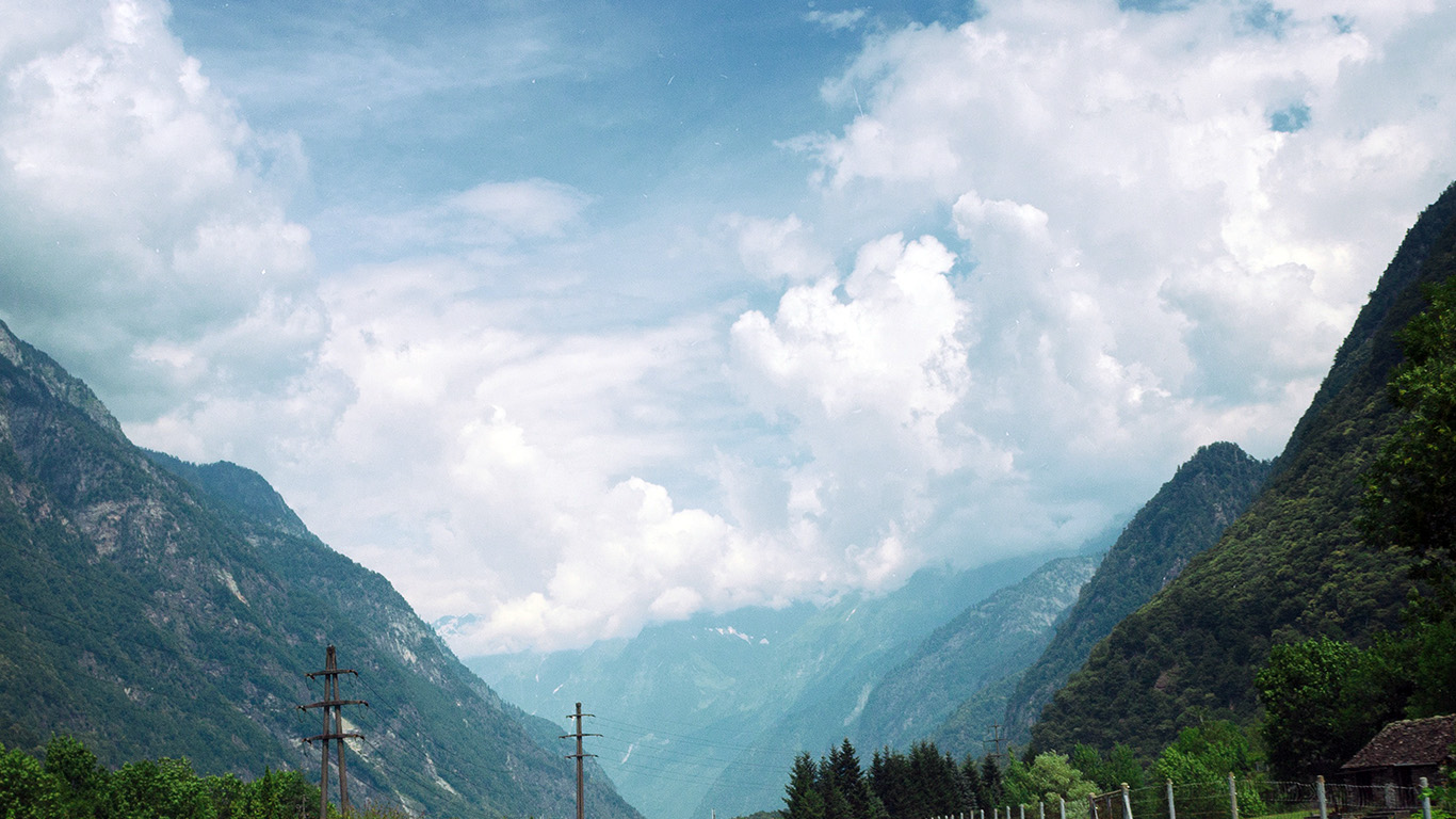desktop-wallpaper-laptop-mac-macbook-airms56-clouds-mountain-road-sunny-nature-wallpaper
