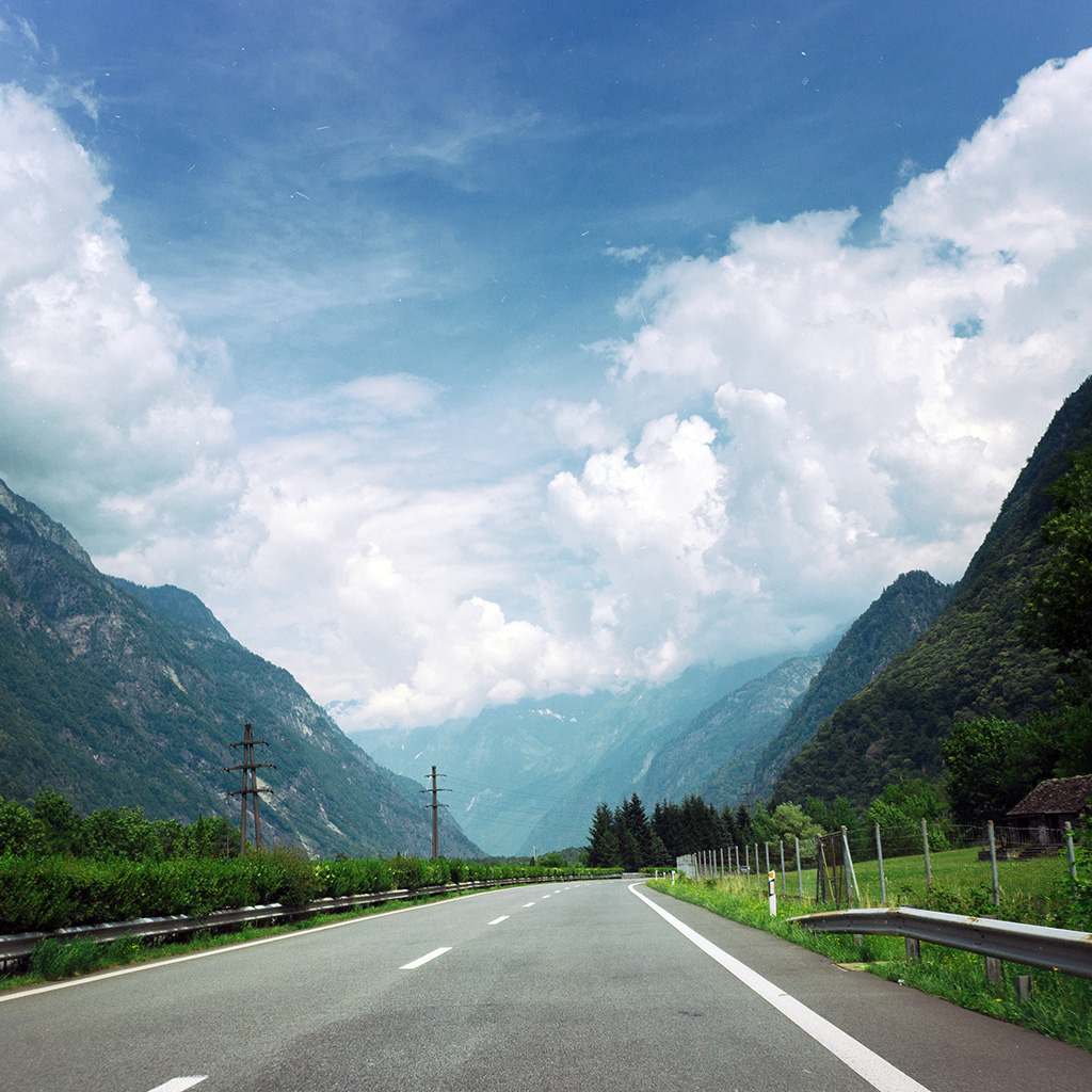 android-wallpaper-ms56-clouds-mountain-road-sunny-nature-wallpaper