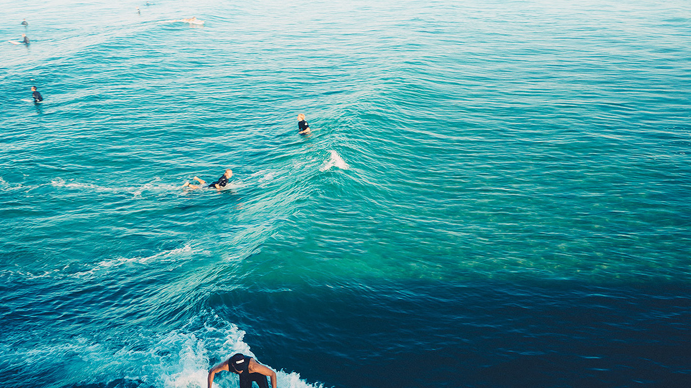 desktop-wallpaper-laptop-mac-macbook-airms58-surfing-wave-summer-sea-ocean-blue-wallpaper