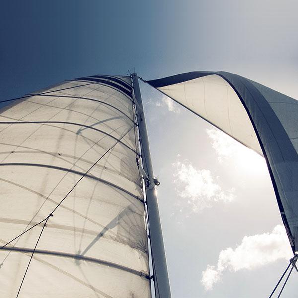 iPapers.co-Apple-iPhone-iPad-Macbook-iMac-wallpaper-ms70-sailing-ship-sea-city-nature-wallpaper