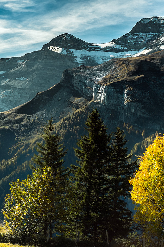 freeios7.com-iphone-4-iphone-5-ios7-wallpaperms82-landscape-mountain-view-sky-green-wood-iphone4