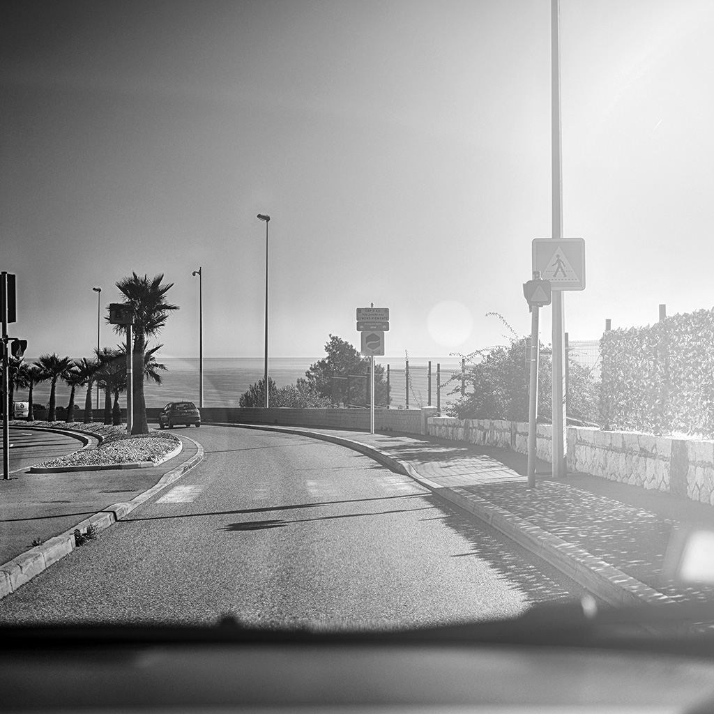wallpaper-ms88-car-drive-seaside-nature-beach-city-dark-bw-wallpaper