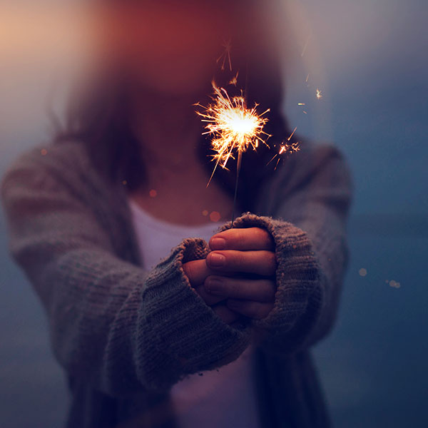 iPapers.co-Apple-iPhone-iPad-Macbook-iMac-wallpaper-mt11-fire-works-woman-party-nature-city-blue-flare-wallpaper