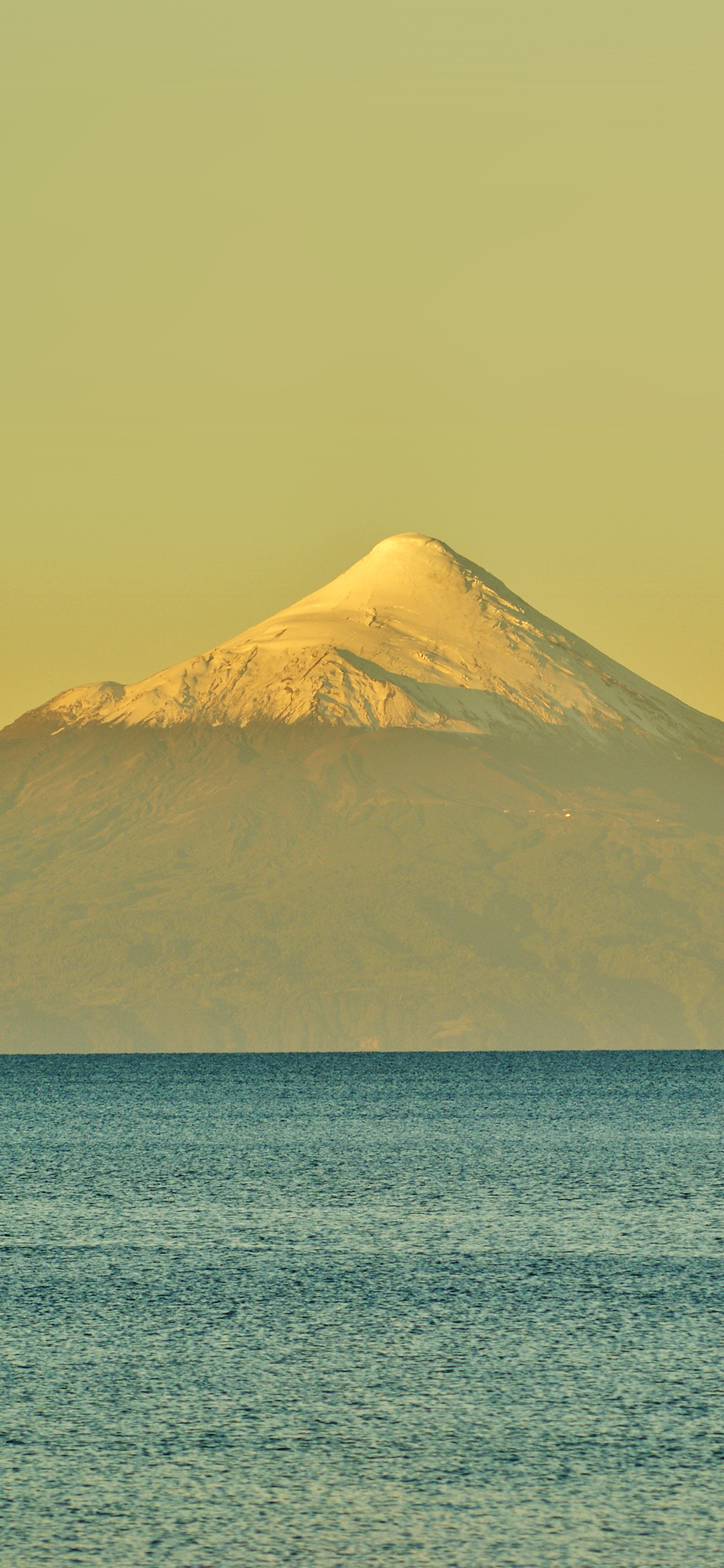 iPhoneXpapers.com-Apple-iPhone-wallpaper-mt29-snow-mountain-yellow-green-sea