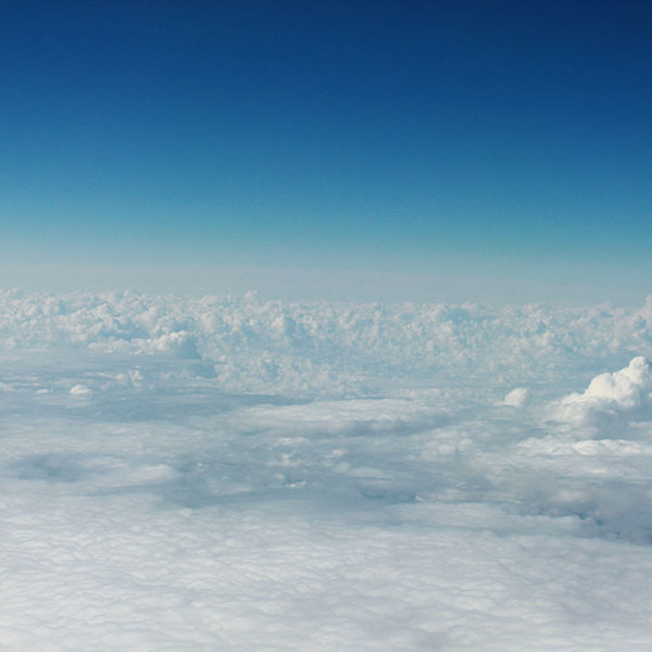 iPapers.co-Apple-iPhone-iPad-Macbook-iMac-wallpaper-mt39-sky-blue-cloud-fly-lovely-wallpaper
