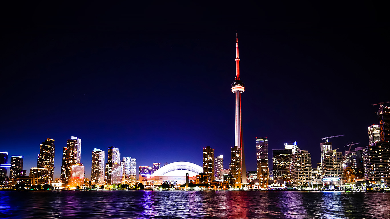 desktop-wallpaper-laptop-mac-macbook-air-mt44-toronto-city-night-missing-tower-dark-cityview-wallpaper