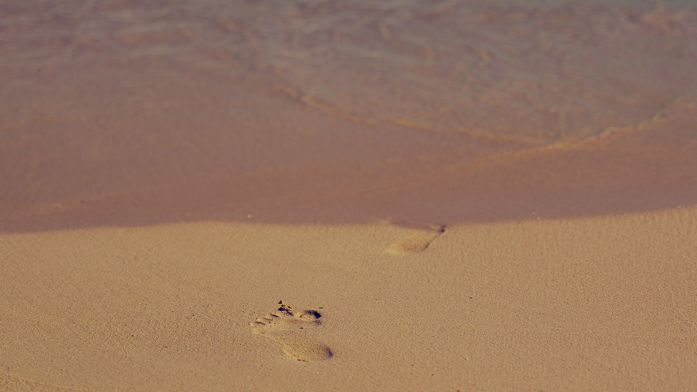 desktop-wallpaper-laptop-mac-macbook-air-mt60-sea-beach-footprint-vacation-summer-dark-wallpaper