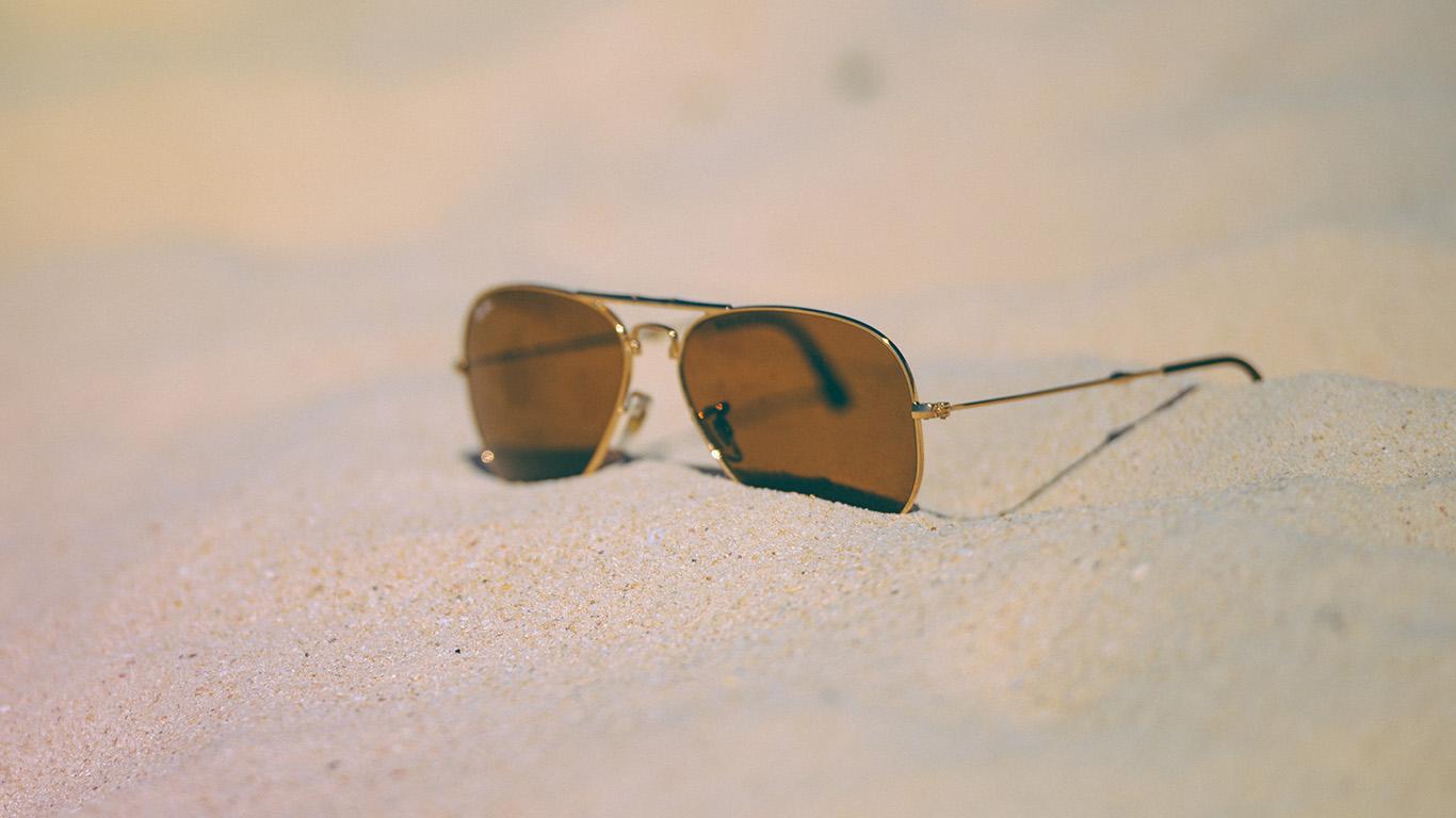 desktop-wallpaper-laptop-mac-macbook-airmt93-beach-holiday-glass-sand-nature-summer-wallpaper