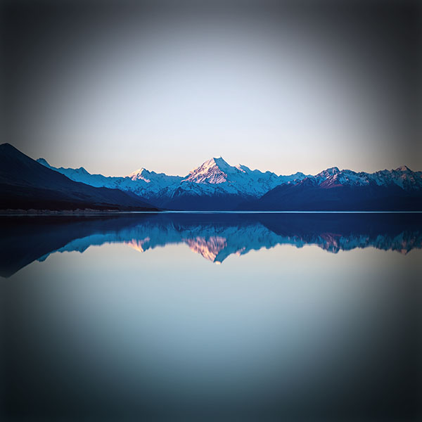 iPapers.co-Apple-iPhone-iPad-Macbook-iMac-wallpaper-mu28-reflection-lake-blue-mountain-water-river-vignette-wallpaper