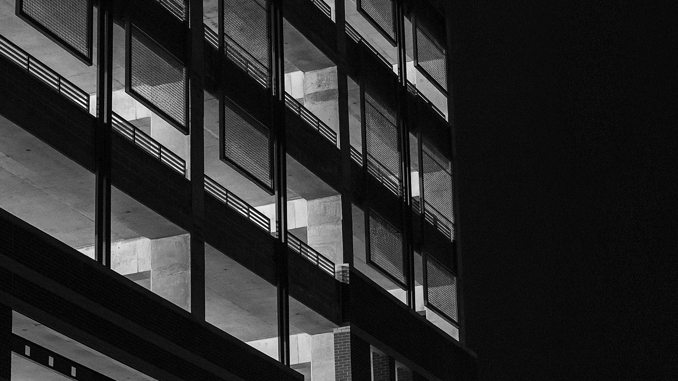desktop-wallpaper-laptop-mac-macbook-airmu31-bw-dark-city-architecture-night-building-house-wallpaper