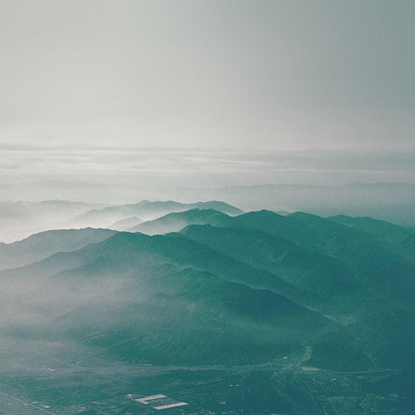 iPapers.co-Apple-iPhone-iPad-Macbook-iMac-wallpaper-mu44-mountain-fog-nature-green-flare-sky-view-wallpaper