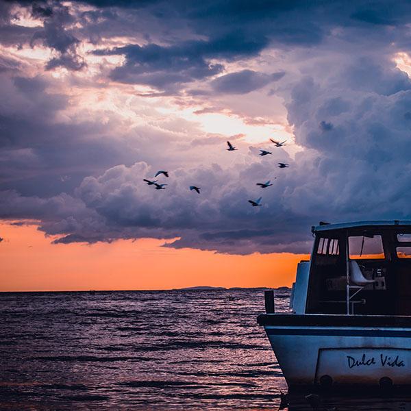 iPapers.co-Apple-iPhone-iPad-Macbook-iMac-wallpaper-mu51-sea-sunset-birds-sky-ocean-ship-nature-blue-wallpaper