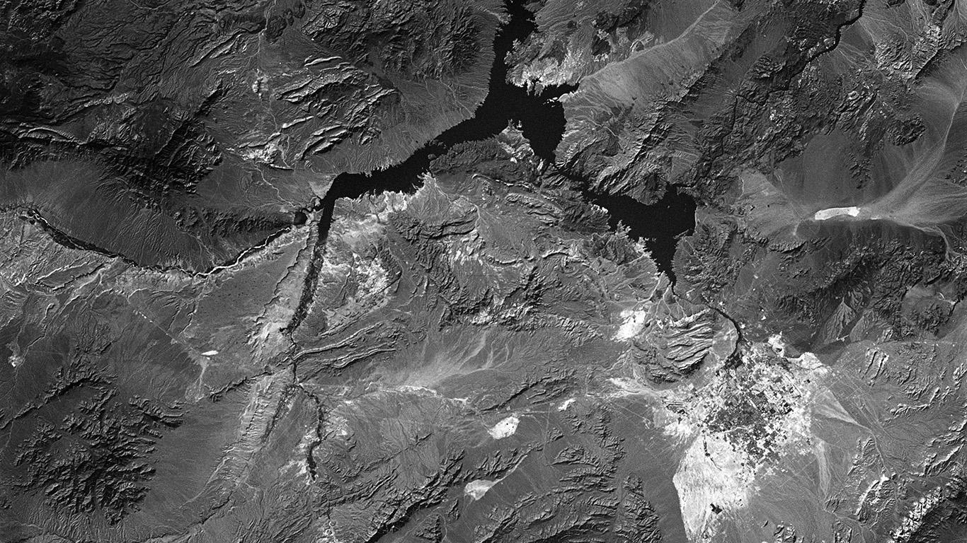 desktop-wallpaper-laptop-mac-macbook-air-mu78-land-home-earth-soil-mountain-skyview-dark-bw-wallpaper