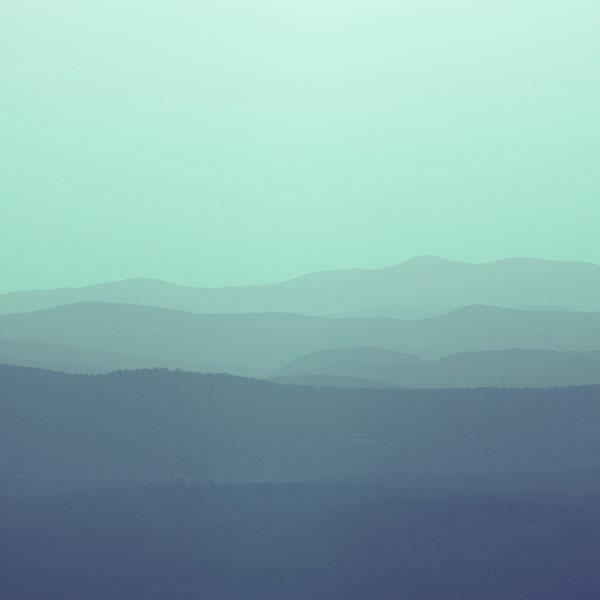 iPapers.co-Apple-iPhone-iPad-Macbook-iMac-wallpaper-mu85-mountain-silhouette-blue-morning-nature-wallpaper