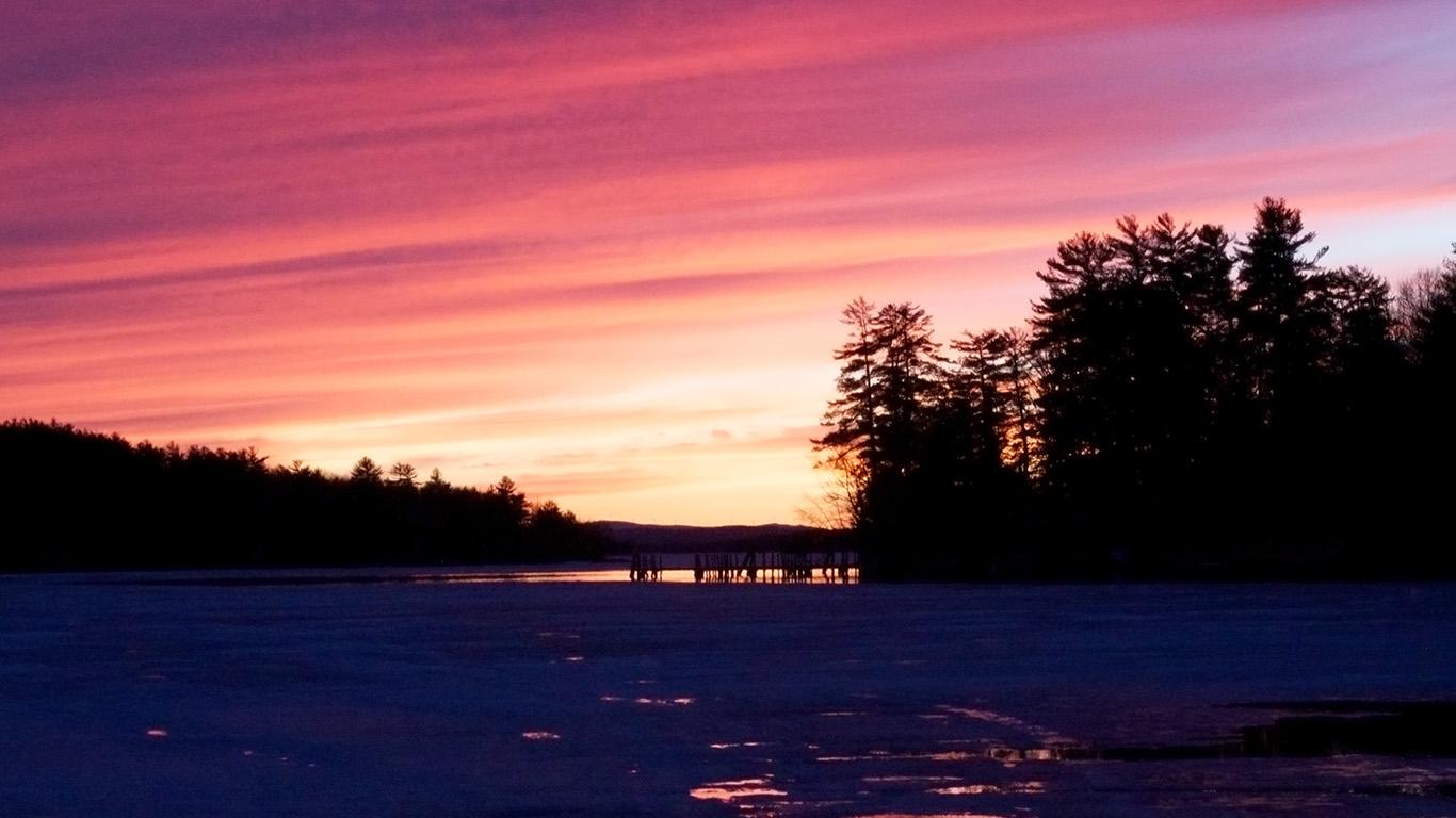 desktop-wallpaper-laptop-mac-macbook-airmu87-sunset-nature-mountain-wood-red-sky-lake-wallpaper