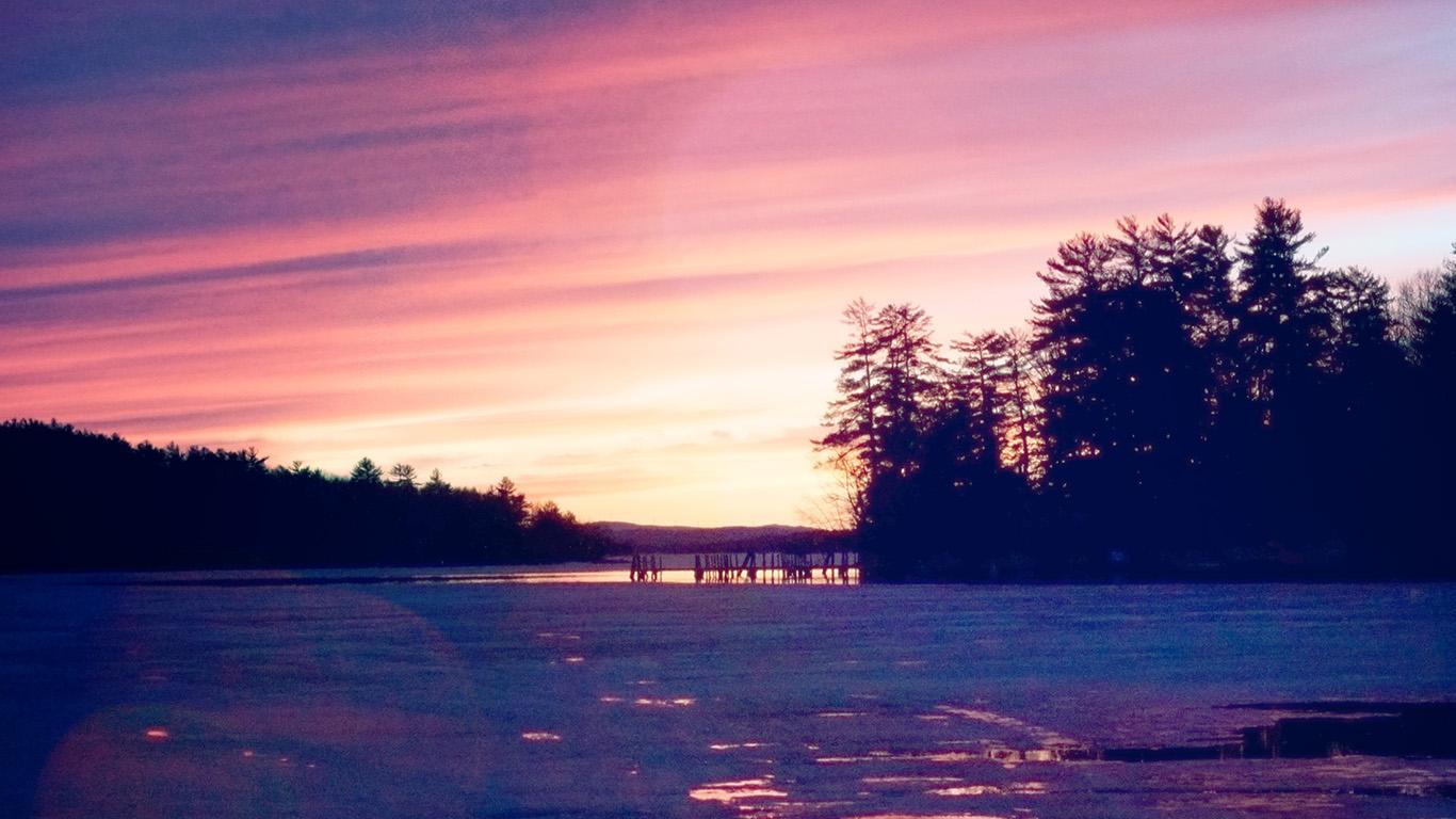 desktop-wallpaper-laptop-mac-macbook-air-mu88-sunset-nature-mountain-wood-red-sky-lake-flare-wallpaper