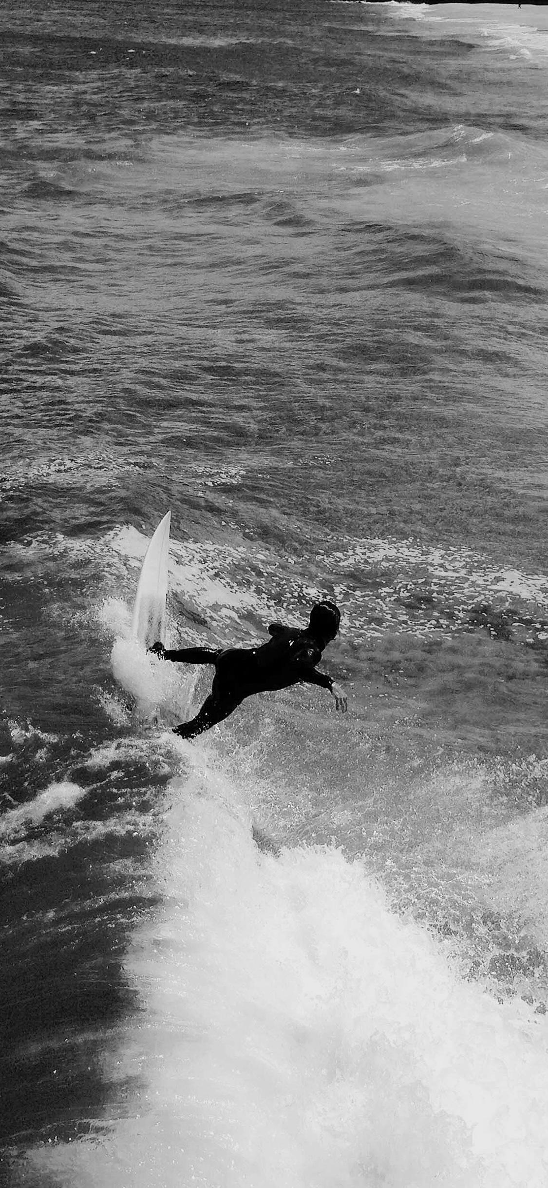 iPhonexpapers.com-Apple-iPhone-wallpaper-mu94-summer-ocean-beach-surf-girl-nature-dark-bw