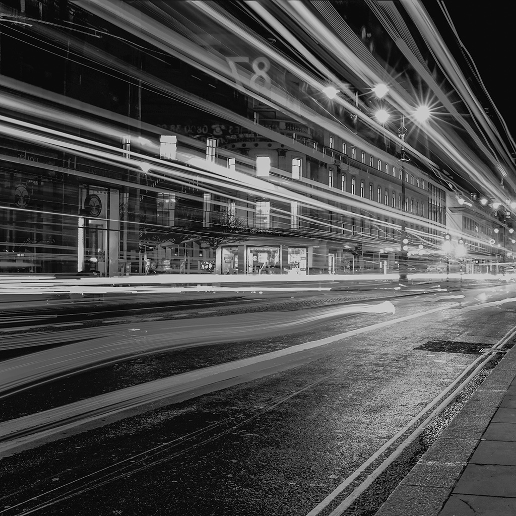 wallpaper-mu97-london-city-car-lights-night-bokeh-dark-bw-wallpaper