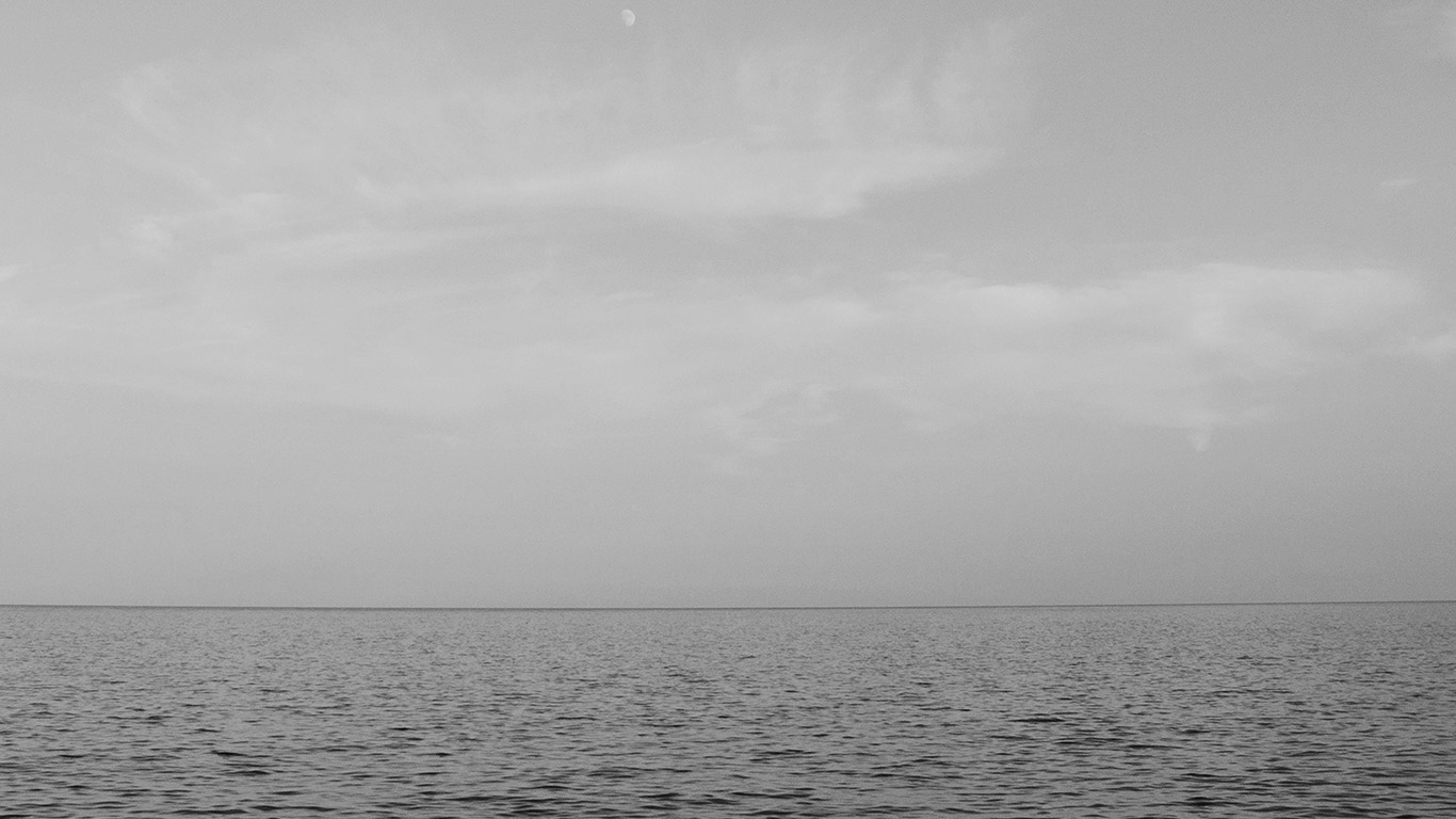 desktop-wallpaper-laptop-mac-macbook-air-mv18-sea-blue-ocean-sky-nature-bw-wallpaper