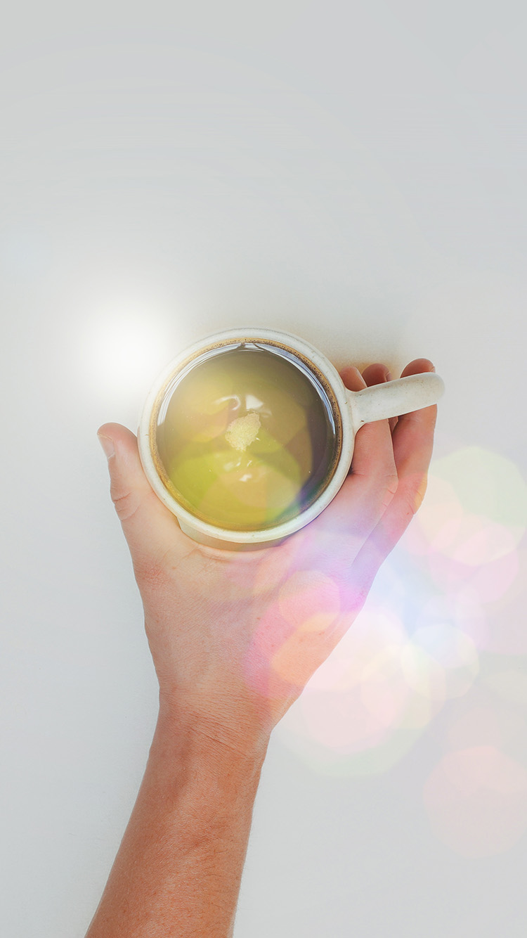 iPhonepapers.com-Apple-iPhone-wallpaper-mv27-coffee-cup-hand-city-life-good-morning-flare