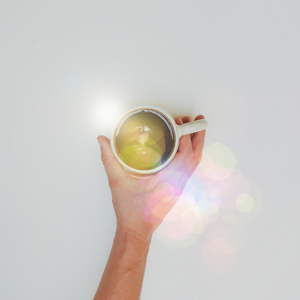 android-wallpaper-mv27-coffee-cup-hand-city-life-good-morning-flare-wallpaper