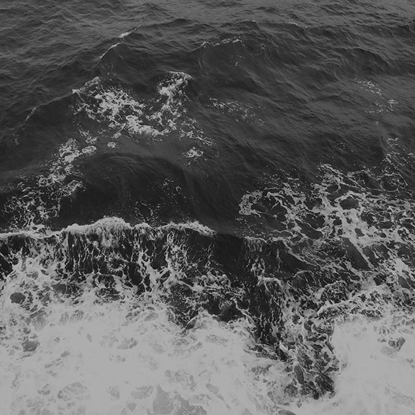 iPapers.co-Apple-iPhone-iPad-Macbook-iMac-wallpaper-mv50-water-sea-vacation-texture-ocean-beach-dark-bw-wallpaper