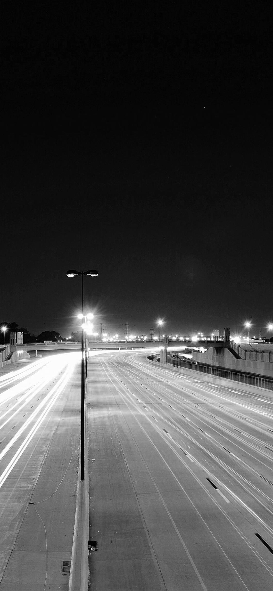 Mv61 Road Street City Night Car Lights Dark Bw Wallpaper