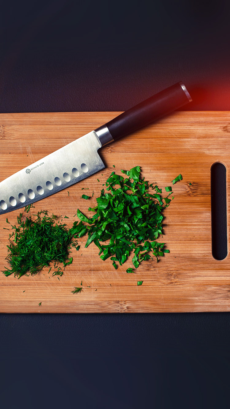 iPhonepapers.com-Apple-iPhone-wallpaper-mv85-food-knife-green-kitchen-city-life-flare