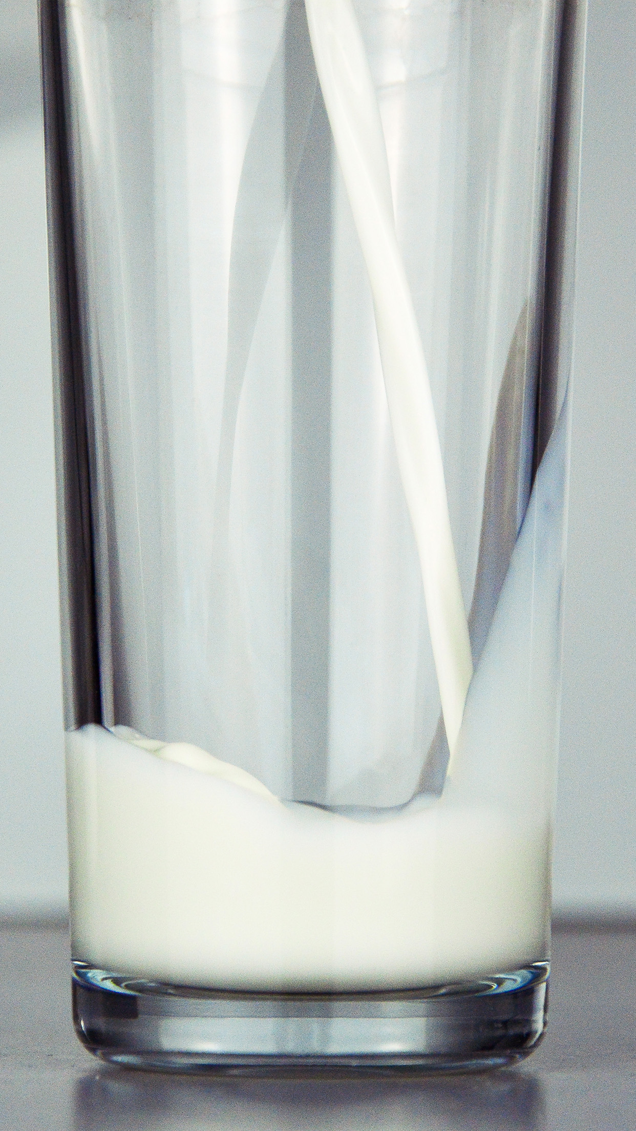 Papers Co Iphone Wallpaper Mw17 Milk Pour Life City White