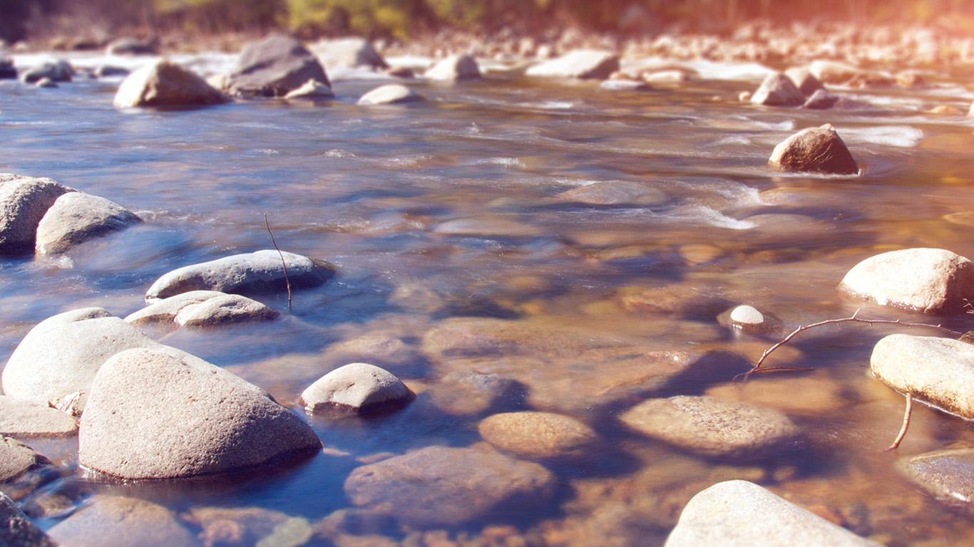 desktop-wallpaper-laptop-mac-macbook-air-mx17-summer-rocks-river-lake-nature-mountain-flare-wallpaper