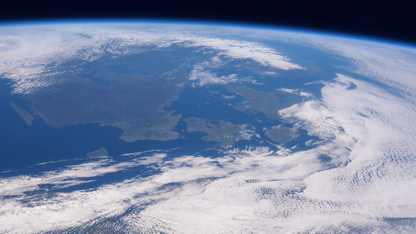 desktop-wallpaper-laptop-mac-macbook-airmx35-blue-planet-earth-from-space-nature-wallpaper