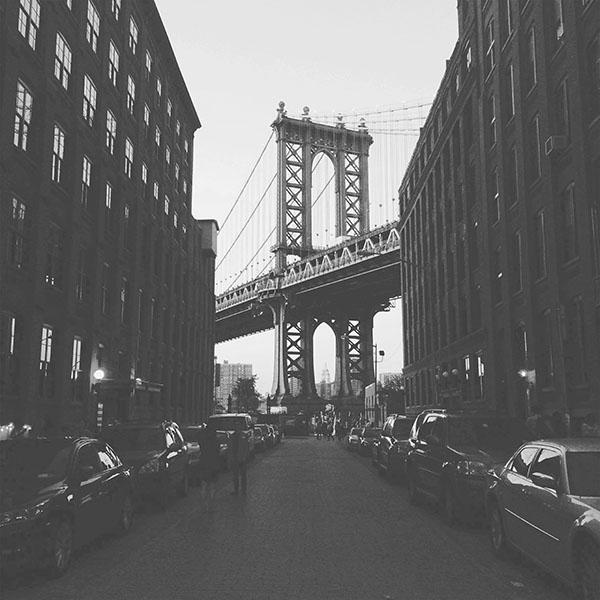 iPapers.co-Apple-iPhone-iPad-Macbook-iMac-wallpaper-mx43-newyork-bridge-city-building-architecture-street-bw-wallpaper