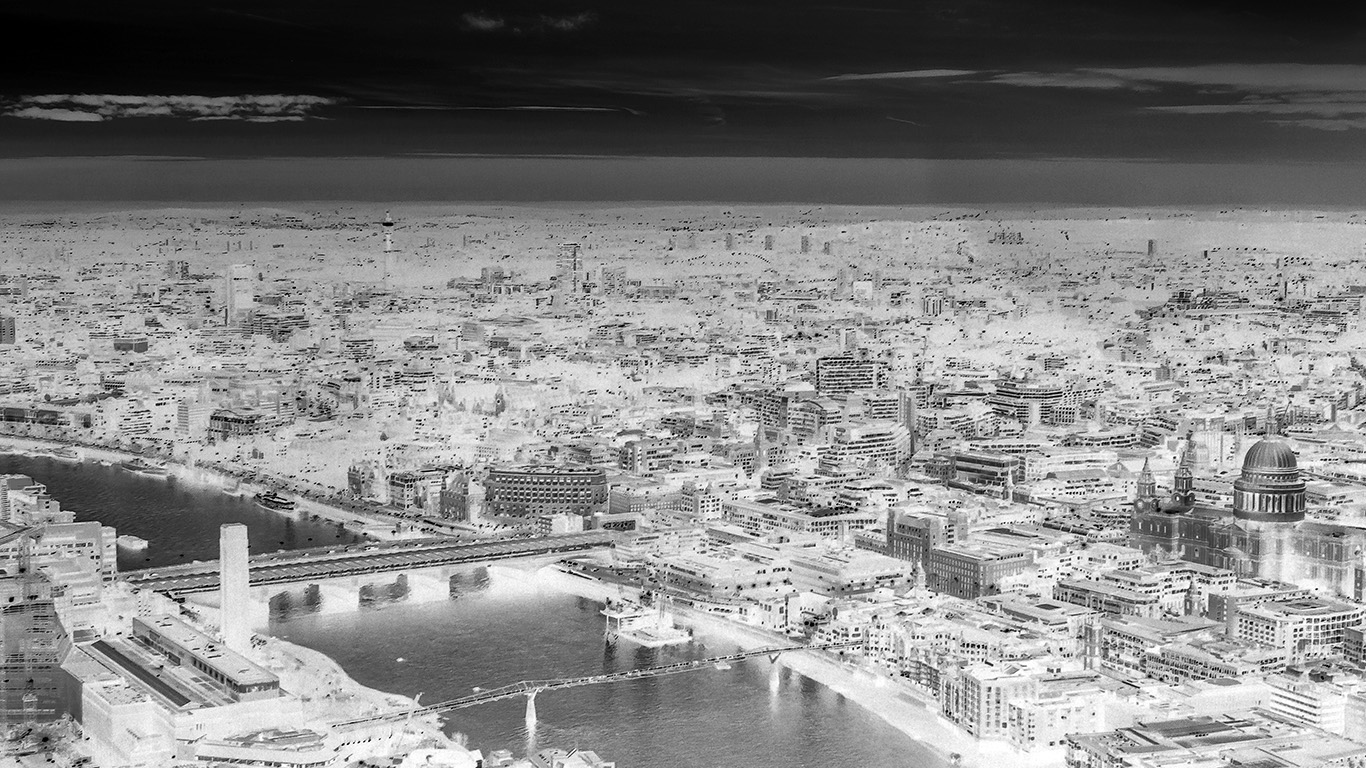 desktop-wallpaper-laptop-mac-macbook-air-mx81-city-lights-cityview-river-sunset-bw-dark-invert-wallpaper