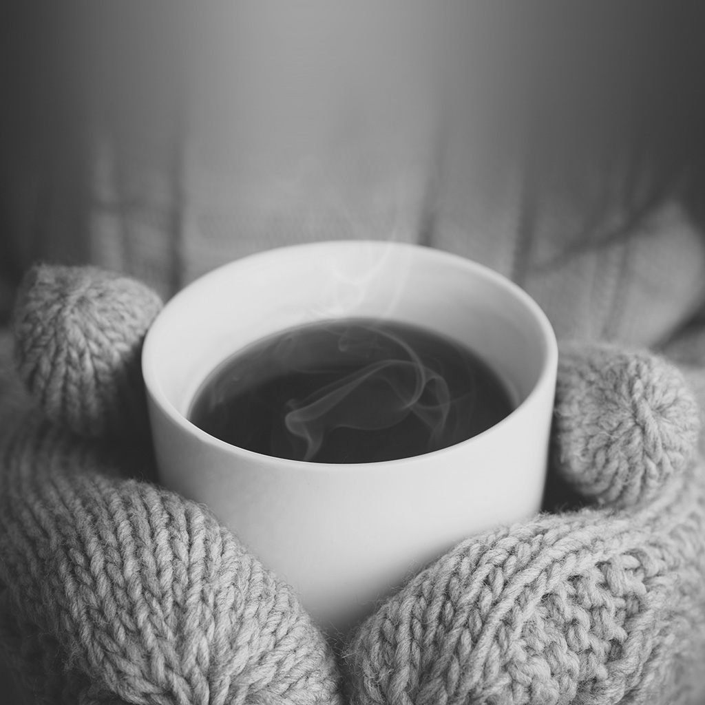 android-wallpaper-mx84-hot-coffee-city-life-winter-dark-bw-wallpaper