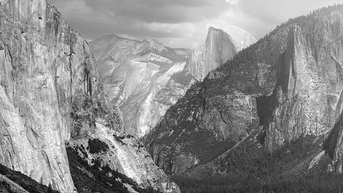 desktop-wallpaper-laptop-mac-macbook-air-my11-yosemite-mountain-nature-rock-sky-forest-cloud-bw-wallpaper