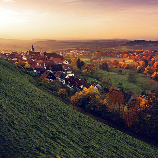 iPapers.co-Apple-iPhone-iPad-Macbook-iMac-wallpaper-my23-peace-country-fall-mountain-town-tree-blue-wallpaper