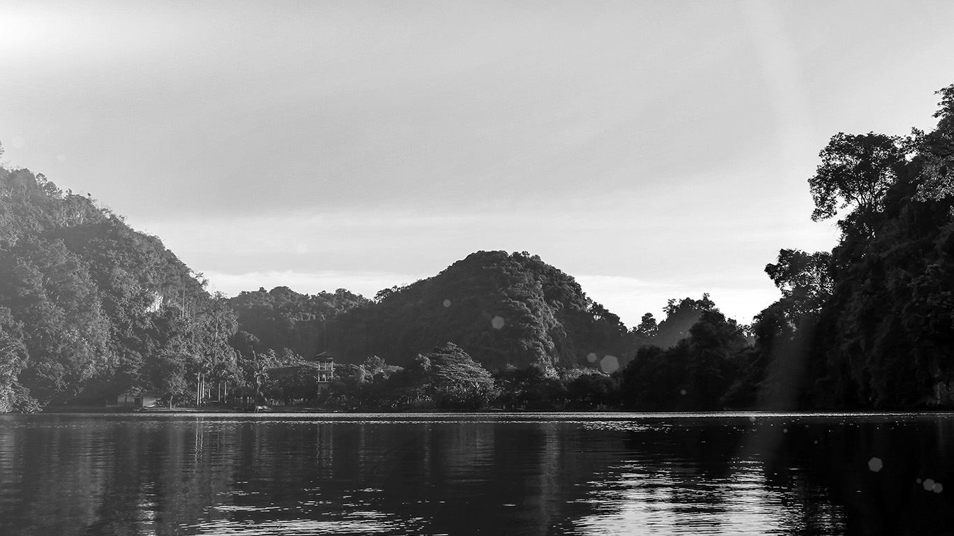 desktop-wallpaper-laptop-mac-macbook-air-my28-nature-river-lake-mountain-tree-vacation-flare-bw-wallpaper