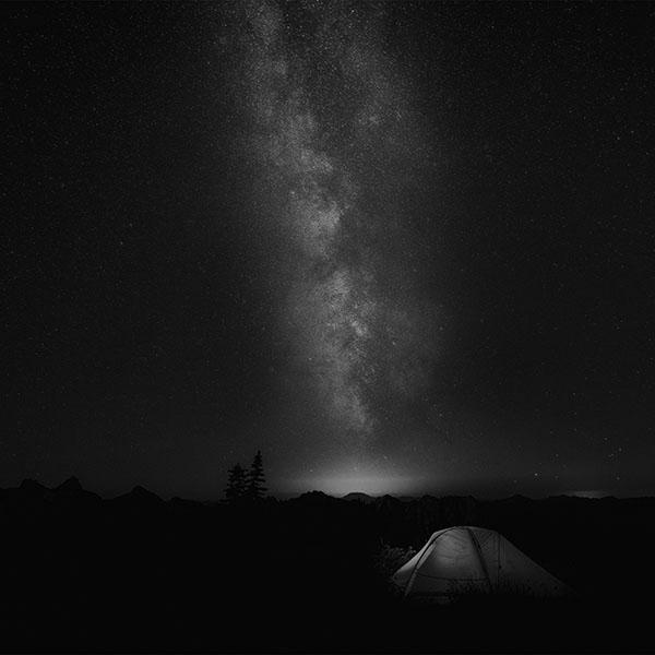 iPapers.co-Apple-iPhone-iPad-Macbook-iMac-wallpaper-my86-camping-night-star-galaxy-milky-sky-dark-space-bw-dark-wallpaper