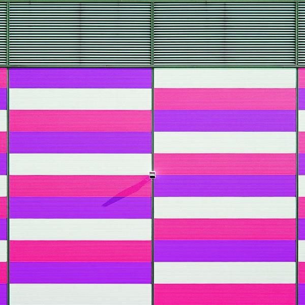 iPapers.co-Apple-iPhone-iPad-Macbook-iMac-wallpaper-mz43-red-blue-purple-pattern-city-wallpaper