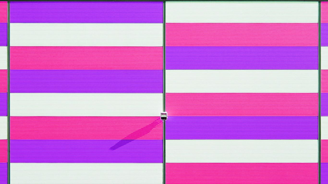 desktop-wallpaper-laptop-mac-macbook-air-mz43-red-blue-purple-pattern-city-wallpaper