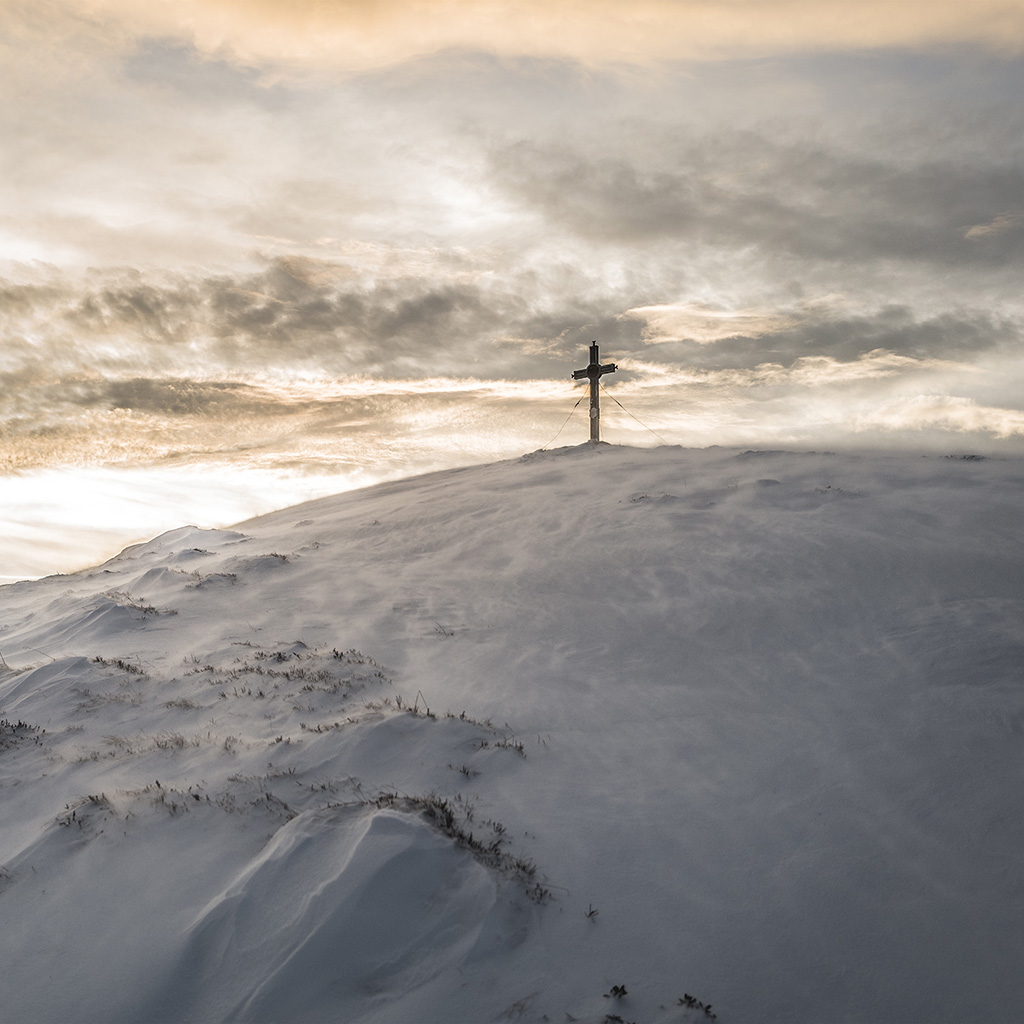 android-wallpaper-mz54-cross-mountain-snow-winter-white-nature-wallpaper