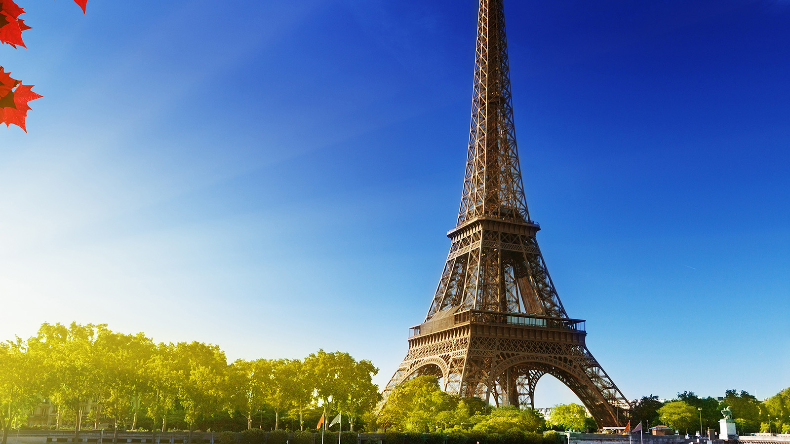 na16-sky-blue-eiffel-tower-nature-paris-city-wallpaper